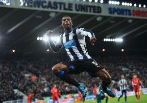 NEWCASTLE UPON TYNE, ENGLAND - DECEMBER 06:  Georginio Wijnaldum of Newcastle United celebrates as he scores their second goal during the Barclays Premier League match between Newcastle United and Liverpool at St James' Park on December 6, 2015 in Newcastle upon Tyne, England  (Photo by Michael Regan/Getty Images)