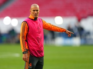 LISBON, PORTUGAL - MAY 23:  Assistant coach Zinedine Zidane of Real Madrid points during a Real Madrid training session ahead of the UEFA Champions League Final against Club Atletico de Madrid at Estadio da Luz on May 23, 2014 in Lisbon, Portugal.  (Photo by Alex Livesey/Getty Images)