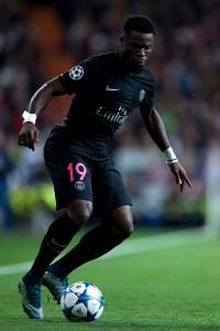 MADRID, SPAIN - NOVEMBER 03: Serge Aurier of Paris Saint-Germain controls the ball during the UEFA Champions League Group A match between Real Madrid CF and Paris Saint-Germain at Estadio Santiago Bernabeu on November 3, 2015 in Madrid, Spain.  (Photo by Gonzalo Arroyo Moreno/Getty Images)
