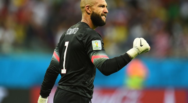 SALVADOR, BRAZIL - JULY 01:  Tim Howard of the United States in action during the 2014 FIFA World Cup Brazil Round of 16 match between Belgium and the United States at Arena Fonte Nova on July 1, 2014 in Salvador, Brazil.  (Photo by Jamie McDonald/Getty Images)