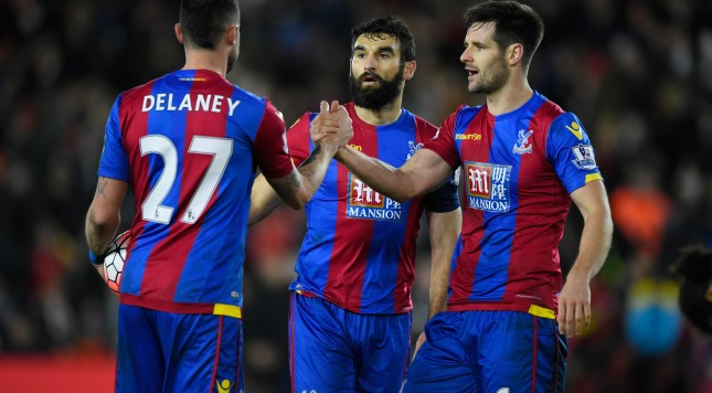 SOUTHAMPTON, ENGLAND - JANUARY 09: (L to R) Damien Delaney, Mile Jedinak and Scott Dann of Crystal Palace celebrate their 2-1 win in the Emirates FA Cup Third Round match between Southampton and Crystal Palace at St Mary's Stadium on January 9, 2016 in Southampton, England.  (Photo by Mike Hewitt/Getty Images)