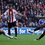 SUNDERLAND, ENGLAND - MAY 07:  Jermain Defoe of Sunderland scores his team's third goal during the Barclays Premier League match between Sunderland and Chelsea at the Stadium of Light on May 7, 2016 in Sunderland, United Kingdom.  (Photo by Ian MacNicol/Getty Images)