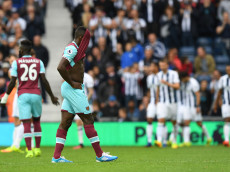 WEST BROMWICH, ENGLAND - SEPTEMBER 17:  Michail Antonio of West Ham United shows dejection after his side concdede a goal during the Premier League match between West Bromwich Albion and West Ham United at The Hawthorns on September 17, 2016 in West Bromwich, England.  (Photo by Shaun Botterill/Getty Images)