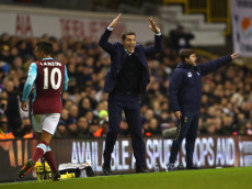 LONDON, ENGLAND - NOVEMBER 19:  Slaven Bilic, Manager of West Ham United, reacts during the Premier League match between Tottenham Hotspur and West Ham United at White Hart Lane on November 19, 2016 in London, England.  (Photo by Dean Mouhtaropoulos/Getty Images)