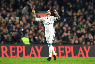BARCELONA, SPAIN - DECEMBER 03:  Sergio Ramos of Real Madrid celebrates scoring his team's first goal during the La Liga  match between FC Barcelona and Real Madrid CF at Camp Nou on December 3, 2016 in Barcelona, Spain.  (Photo by David Ramos/Getty Images)