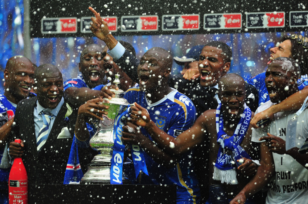 LONDON - MAY 17:  Portsmouth players celebrate victory following the FA Cup Final sponsored by E.ON between Portsmouth and Cardiff City at Wembley Stadium on May 17, 2008 in London, England.  (Photo by Shaun Botterill/Getty Images)