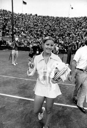 Chris Evert won three of her Open Era-record six U.S. Open singles titles during the years of Har-Tru clay at the old West Side Tennis Club in Forest Hills, N.Y. Evert maxed out on clay before the move to hardcourts at the USTA National Tennis Center in 1978.