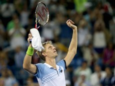 NEW YORK, NY - SEPTEMBER 07:  Kevin Anderson of South Africa celebrates after defeating Andy Murray of Great Britain during their Men's Singles Fourth Round match on Day Eight of the 2015 US Open at the USTA Billie Jean King National Tennis Center on September 7, 2015 in the Flushing neighborhood of the Queens borough of New York City.  (Photo by Matthew Stockman/Getty Images)