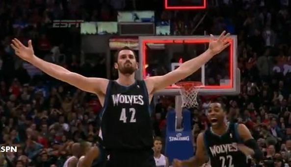 Kevin_Love_celebrates_after_Clippers_game_winner