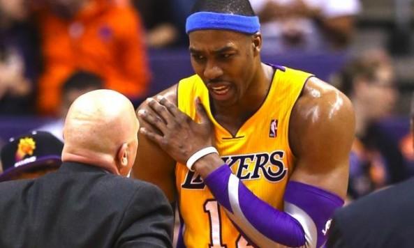 DwightHowardLakers_Suns020613
