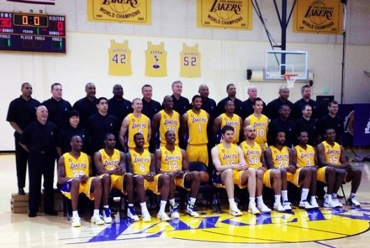 LakersTeamPhoto2013