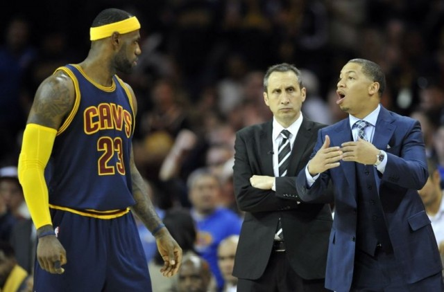 tyronn-lue-david-blatt-lebron-james-nba-new-york-knicks-cleveland-cavaliers-850x560