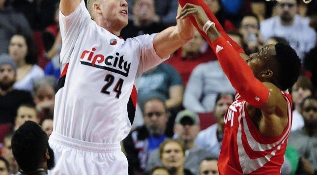 rockets_trail_blazers_basketball_c0-1332-2778-2951_s885x516