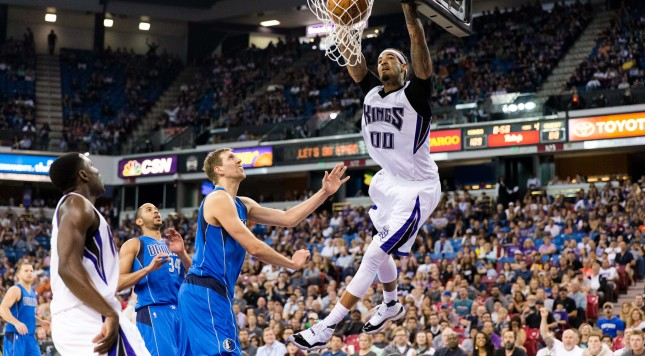 Mar 27, 2016; Sacramento, CA, USA; Sacramento Kings center Willie Cauley-Stein (00) dunks the ball against the Dallas Mavericks in the fourth quarter  at Sleep Train Arena. The Kings won 133-111. Mandatory Credit: John Hefti-USA TODAY. ORG XMIT: USATSI-233482 ORIG FILE ID:  20160327_mta_hb4_036.JPG