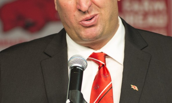 Bret+Bielema+University+Arkansas+Introduces+oiAT_beLoi4x