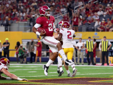 ARLINGTON, TX - SEPTEMBER 03:  Jalen Hurts #2 of the Alabama Crimson Tide scores a touchdown against the USC Trojans in the third quarter during the AdvoCare Classic at AT&T Stadium on September 3, 2016 in Arlington, Texas.  (Photo by Tom Pennington/Getty Images)