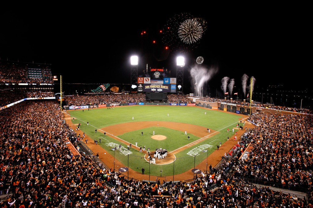 SAN FRANCISCO, CA - OCTOBER 16:  The San Francisco Giants celebrate after defeating the St. Louis Cardinals 6-3 during Game Five of the National League Championship Series at AT&T Park on October 16, 2014 in San Francisco, California.  (Photo by Jason O. Watson/Getty Images)