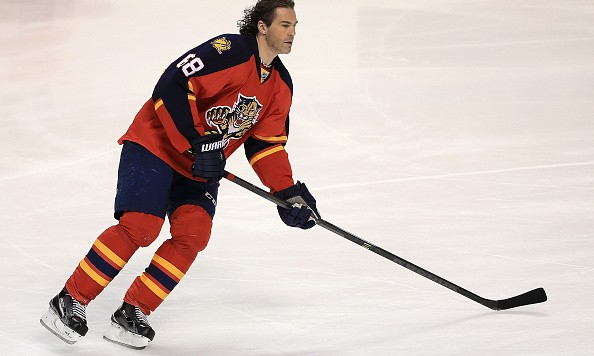 SUNRISE, FL - JANUARY 22:  Jaromir Jagr #68 of the Florida Panthers warms up during a game against the Chicago Blackhawks at BB&T Center on January 22, 2016 in Sunrise, Florida.  (Photo by Mike Ehrmann/Getty Images)