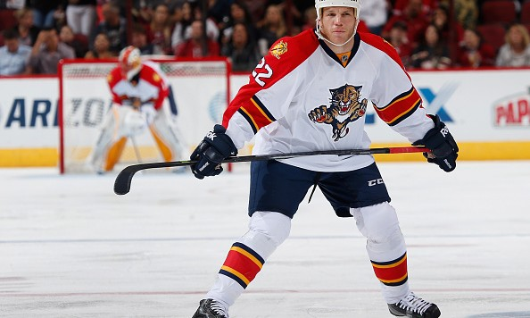 GLENDALE, AZ - OCTOBER 25:  Shawn Thornton #22 of the Florida Panthers during the NHL game against the Arizona Coyotes at Gila River Arena on October 25, 2014 in Glendale, Arizona.  The Coyotes defeated the Panthers 2-1 in overtime.  (Photo by Christian Petersen/Getty Images)