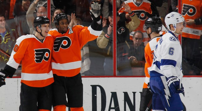PHILADELPHIA, PA - MARCH 07: Brayden Schenn #10 and Wayne Simmonds #17 of the Philadelphia Flyers celebrate Schenn's game winning goal at 13:57 of the third period against the Tampa Bay Lightning during the third period at the Wells Fargo Center on March 7, 2016 in Philadelphia, Pennsylvania. The Flyers defeated the Lightning 4-2.  (Photo by Bruce Bennett/Getty Images)