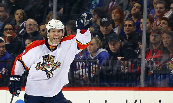 NEW YORK, NY - MARCH 14:  Jaromir Jagr #68 of the Florida Panthers signals a teammate during the third period against the New York Islanders at the Barclays Center on March 14, 2016 in the Brooklyn borough of New York City.  (Photo by Bruce Bennett/Getty Images)