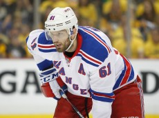 PITTSBURGH, PA - APRIL 16:  Rick Nash #61 of the New York Rangers skates in Game Two of the Eastern Conference First Round during the 2016 NHL Stanley Cup Playoffs against the Pittsburgh Penguins at Consol Energy Center on April 16, 2016 in Pittsburgh, Pennsylvania.  (Photo by Justin K. Aller/Getty Images)