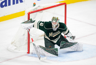 ST PAUL, MN - OCTOBER 15: Devan Dubnyk #40 of the Minnesota Wild defends the net against Winnipeg Jets during the game on October 15, 2016 at Xcel Energy Center in St Paul, Minnesota. (Photo by Hannah Foslien/Getty Images)