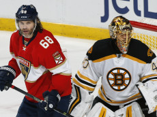 SUNRISE, FL - DECEMBER 22: Jaromir Jagr #68 of the Florida Panthers takes up position in front of goaltender Tuukka Rask #40 of the Boston Bruins at the BB&T Center on December 22, 2016 in Sunrise, Florida. The Bruins defeated the Panthers 3-1. (Photo by Joel Auerbach/Getty Images)