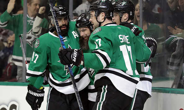 DALLAS, TX - DECEMBER 29:  The Dallas Stars celebrate a goal by Devin Shore #17 of the Dallas Stars in the first period against the Colorado Avalanche at American Airlines Center on December 29, 2016 in Dallas, Texas.  (Photo by Ronald Martinez/Getty Images)