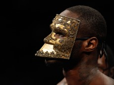 LAS VEGAS, NV - JANUARY 17:  Deontay Wilder wears a mask during his ring entrance for a title fight against WBC heavyweight champion Bermane Stiverne at the MGM Grand Garden Arena on January 17, 2015 in Las Vegas, Nevada. Wilder took the title by unanimous decision.  (Photo by Steve Marcus/Getty Images)
