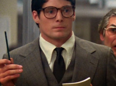 clark-kent-daily-planet-01-609x640
