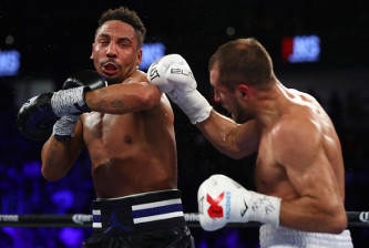 LAS VEGAS, NV - NOVEMBER 19:   (L-R) Andre Ward lands a left to the head of Sergey Kovalev of Russia during their light heavyweight title bout at T-Mobile Arena on November 19, 2016 in Las Vegas, Nevada.  (Photo by Al Bello/Getty Images)