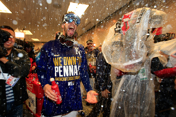 Padres signing James Shields