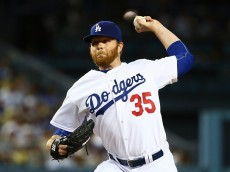 :LOS ANGELES, CA - APRIL 27: Brett Anderson #35 of the Los Angeles Dodgers pitches in the third inning against the San Francisco Giants during the MLB game at Dodger Stadium on April 27, 2015 in Los Angeles, California. (Photo by Victor Decolongon/Getty Images)