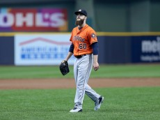 MILWAUKEE, WI - APRIL 10:  Dallas Keuchel #60 of Houston Astros walks off the field after allowing two runs in the first inning during the game against the Milwaukee Brewers at Miller Park April 10, 2016 in Milwaukee, Wisconsin. (Photo by Dylan Buell/Getty Images)