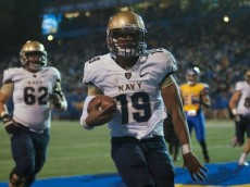 Can Keenan Reynolds lead Navy to an upset over Ohio State (Photo Credit: Ed Szczepanski, USA TODAY Sports)