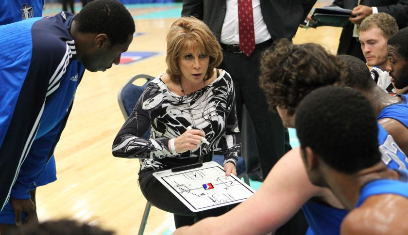 SOUTH PADRE ISLAND, TX - JANUARY 10:  Nancy Lieberman Head Coach of the Texas Legends talks with her players during the game against the New Mexico Thunderbirds during the 2011 NBA D-League Showcase on January 10, 2011 at the South Padre Island Convention Center in South Padre Island, Texas. NOTE TO USER: User expressly acknowledges and agrees that, by downloading and/or using this photograph, user is consenting to the terms and conditions of the Getty Images License Agreement. Mandatory Copyright Notice: Copyright 2011 NBAE (Photo by Joe Murphy/NBAE via Getty Images)
