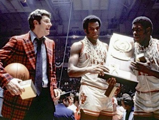 Indiana_1976_Bobby_Knight_Scott_May_Quinn_Buckner_1427821896927_15897046_ver1.0_640_480