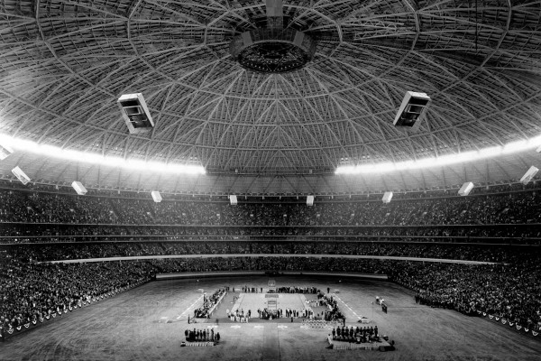 The UCLA-Houston seating layout and crowd in 1968, easily eclipsing what the 1971 Final Four delivered. This was the vision behind big-dome basketball.
