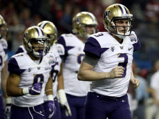 ATLANTA, GA - DECEMBER 31:  Jake Browning #3 of the Washington Huskies runs against the Alabama Crimson Tide during the 2016 Chick-fil-A Peach Bowl at the Georgia Dome on December 31, 2016 in Atlanta, Georgia.  (Photo by Maddie Meyer/Getty Images)