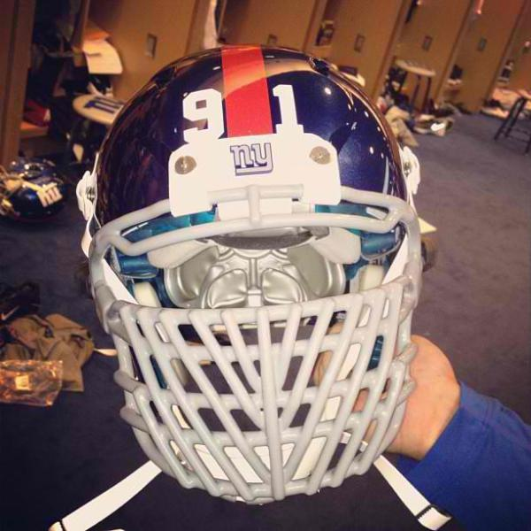 Justin_Tuck_Facemask