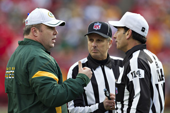 Mike McCarthy Talks with a Ref