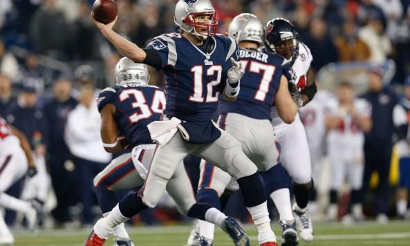 Tom Brady Throwing
