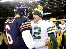 Aaron Rodgers Hand Shake With Jay Cutler