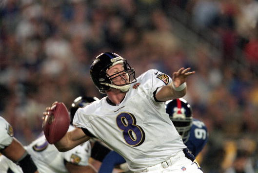 28 Jan 2001:  Trent Dilfer #8 of the Baltimore Ravens lines up a throw during the Super Bowl XXXV Game against the New York Giants at the Raymond James Stadium in Tampa, Florida. The Ravens defeated the Giants 34-7.Mandatory Credit: Andy Lyons  /Allsport