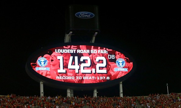 KANSAS CITY, MO - SEPTEMBER 29:  Fans at Arrowhead Stadium break the Guinness World Record for loudest stadium on September 29, 2014 in Kansas City, Missouri.  (Photo by Dilip Vishwanat/Getty Images)