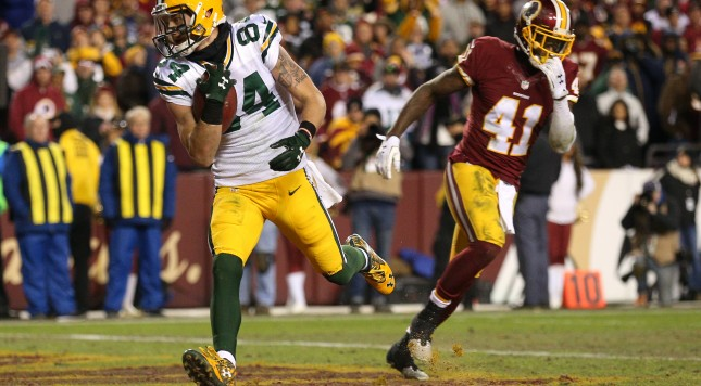 LANDOVER, MD - JANUARY 10: Wide receiver Jared Abbrederis #84 of the Green Bay Packers scores a two-point conversion past cornerback Will Blackmon #41 of the Washington Redskins in the fourth quarter during the NFC Wild Card Playoff game at FedExField on January 10, 2016 in Landover, Maryland. (Photo by Patrick Smith/Getty Images)