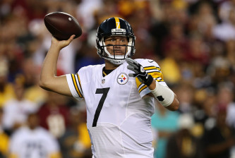 LANDOVER, MD - SEPTEMBER 12: Quarterback Ben Roethlisberger #7 of the Pittsburgh Steelers passes against the Washington Redskins in the first quarter at FedExField on September 12, 2016 in Landover, Maryland. (Photo by Patrick Smith/Getty Images)