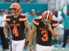 MIAMI GARDENS, FL - SEPTEMBER 25: Cody Parkey #3 of the Cleveland Browns reacts after missing the game winning field goal in the 4th quarter against the Miami Dolphinson September 25, 2016 in Miami Gardens, Florida. (Photo by Eric Espada/Getty Images)