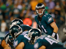 PHILADELPHIA, PA - SEPTEMBER 25:  Quarterback  Carson Wentz #11 of the Philadelphia Eagles is seen on the line of scrimmage in the fourth quarter against the Pittsburgh Steelers at Lincoln Financial Field on September 25, 2016 in Philadelphia, Pennsylvania.  (Photo by Rich Schultz/Getty Images)